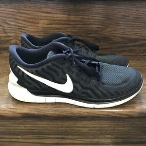 Nike Shoes - Men's Nike Free 5.0 Black/White Running Shoes 9.5